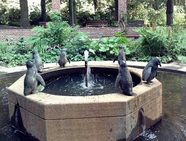 Pinguin Brunnen Stadtpark Hamburg