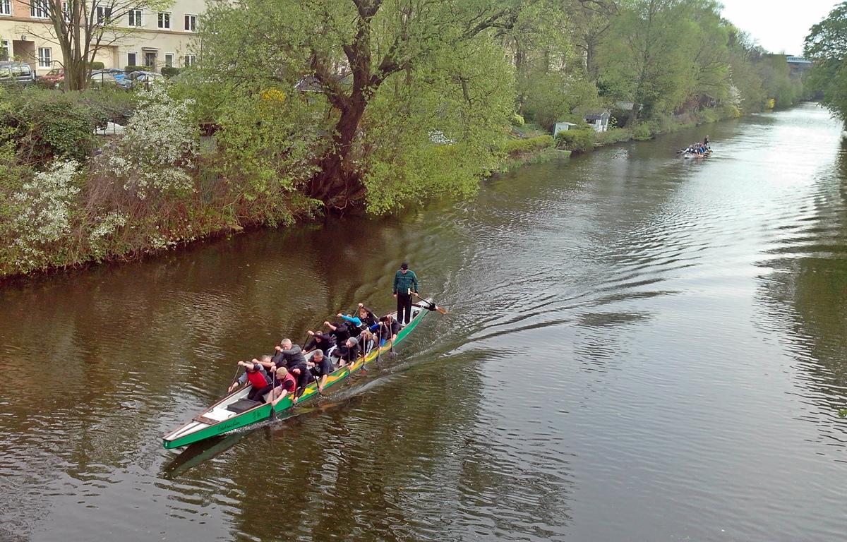 anleger und tour mit dem Drachenboot