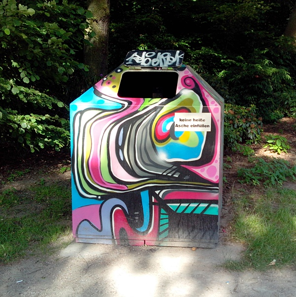 stadtpark winterhude graffiti
